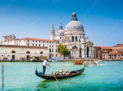 Gondole na Canal grande z Santa Maria della salute, Wenecja