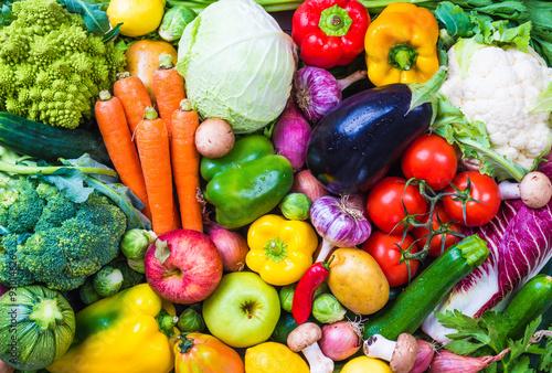 Warzywa i owoce tło.