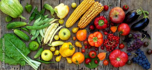 zielony, żółty, czerwony, fioletowy owoce i warzywa