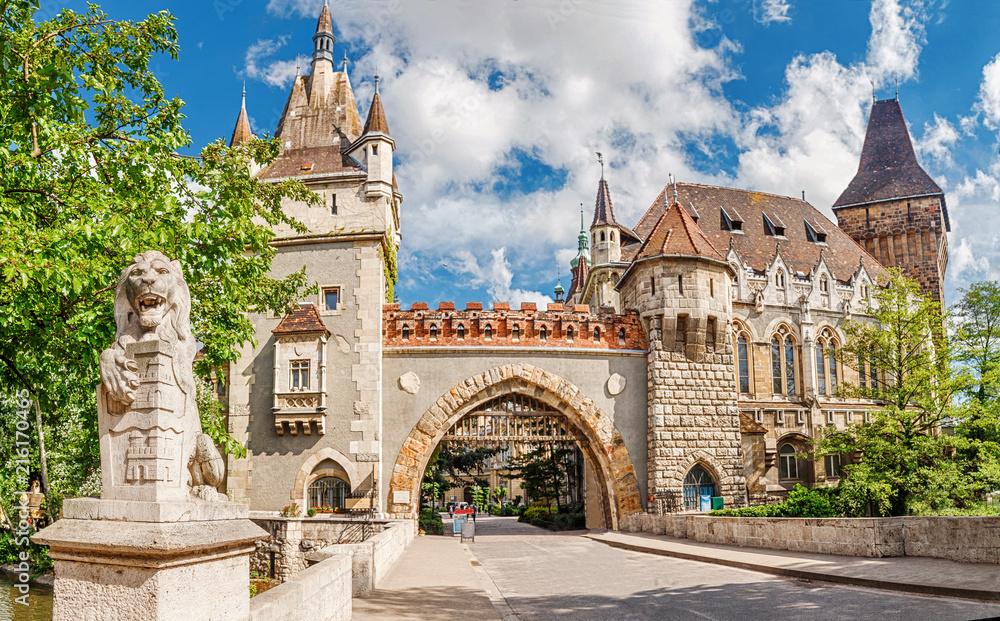 Zamek vajdahunyad na bramie, rekreacji i turystyki w Budapeszcie i na Węgrzech