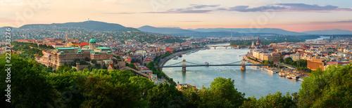 Zachód słońca latem w Budapeszcie