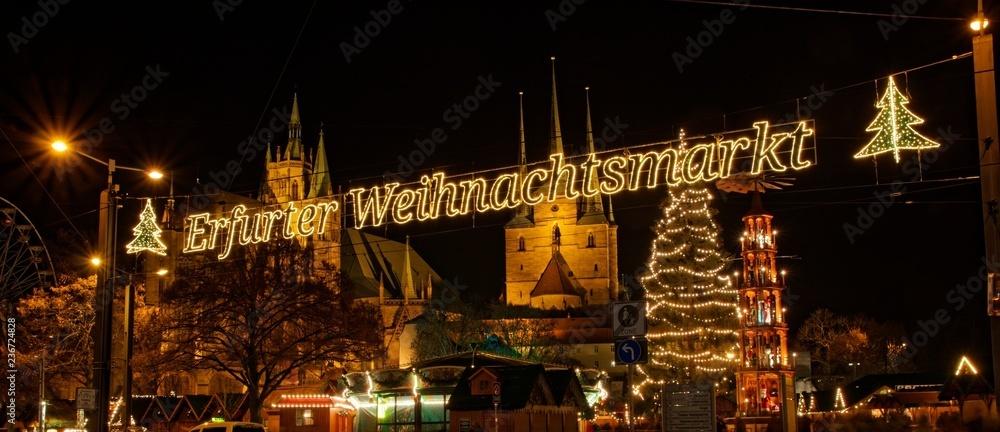 Jarmark bożonarodzeniowy w Erfurcie na placu Katedralnym
