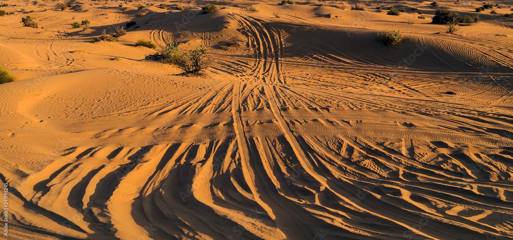 Pustynia piasek wydmy droga safari