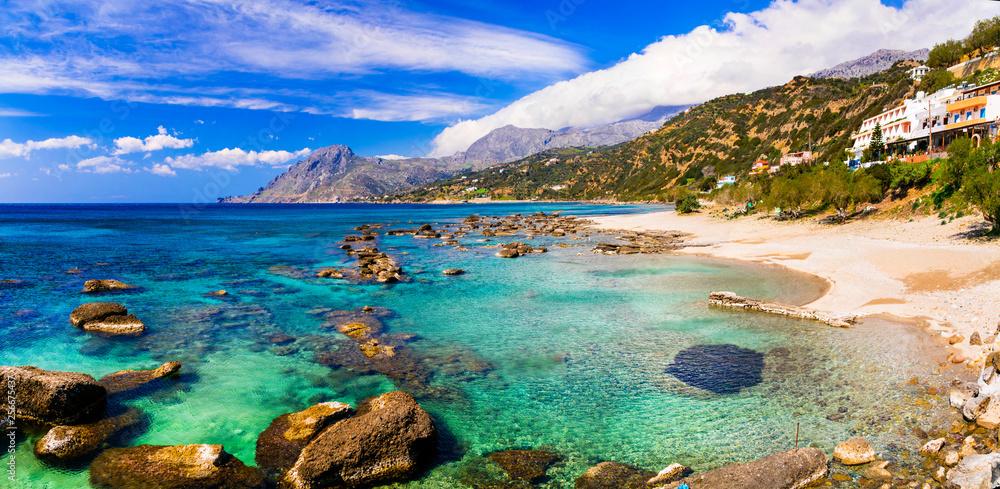Piękne plaże na wyspie Kreta. Plakias na południu. Grecja