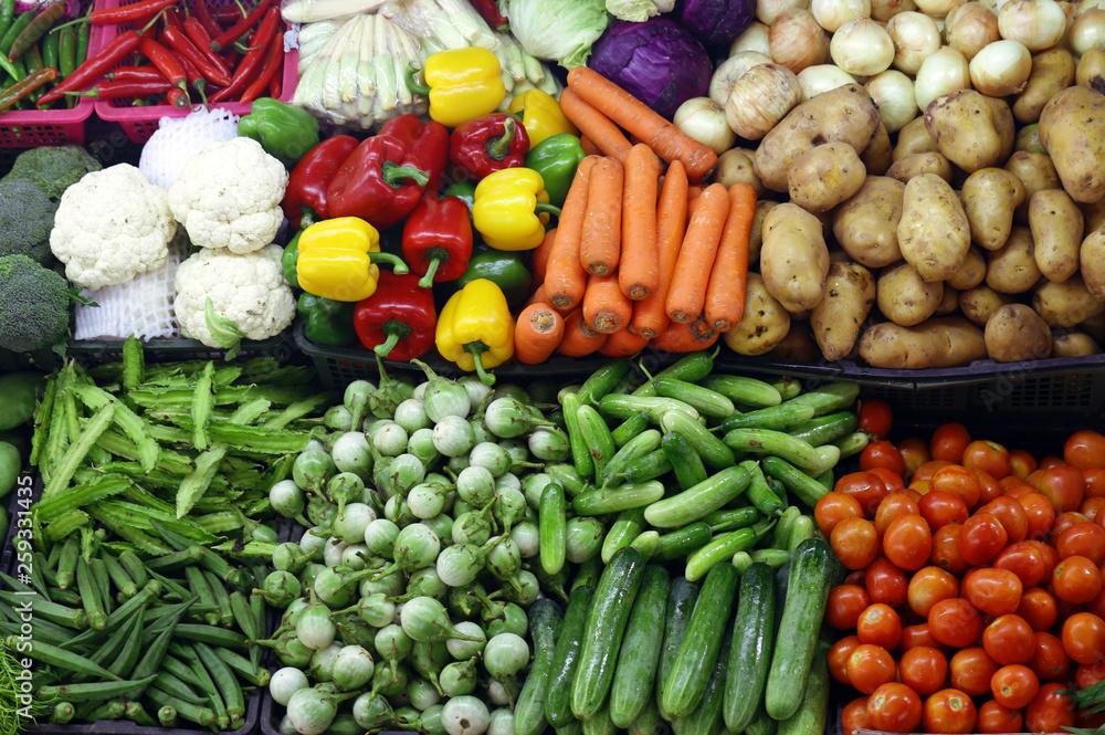różnych organicznych warzyw, rynku rolników