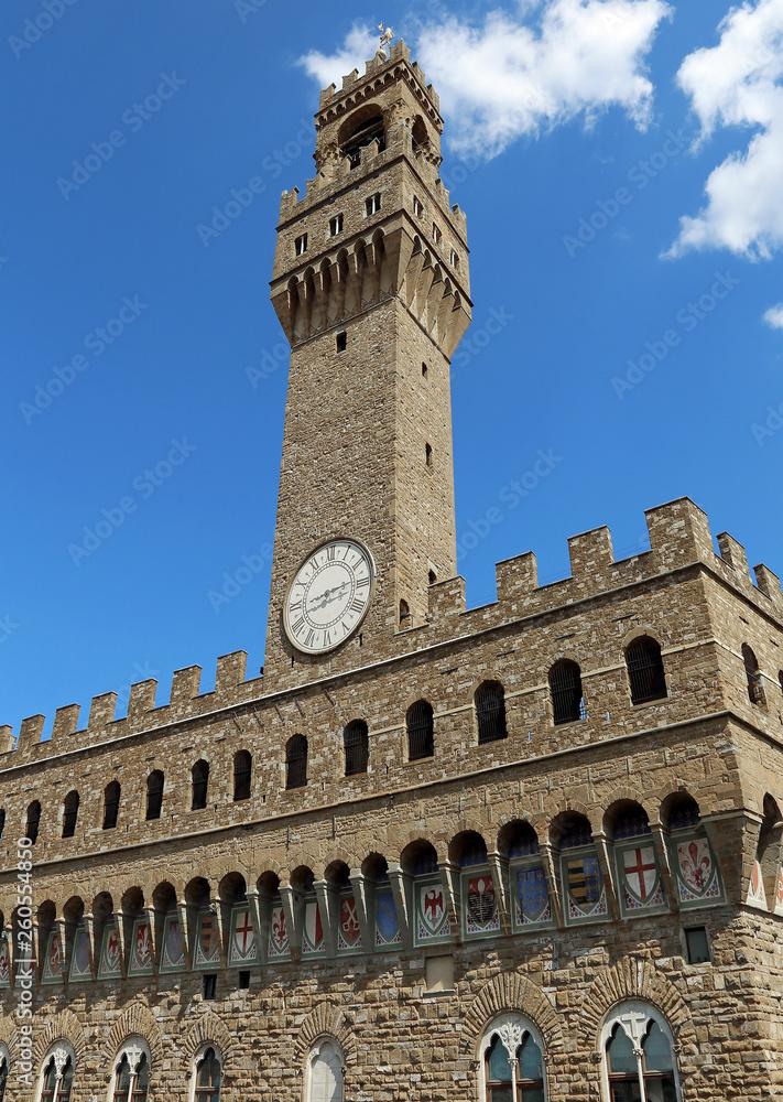 Starego pałacu i błękitne niebo na piazza della Signoria we Florencji, Włochy
