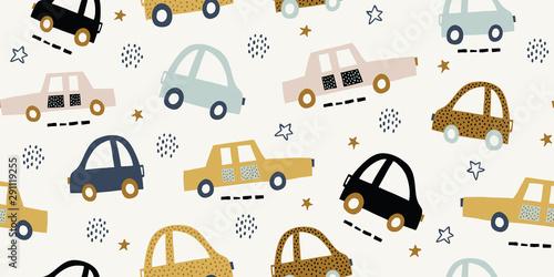 Dziecięcy styl z stylizowane, ręcznie rysowane wzór z kolorowych samochodów