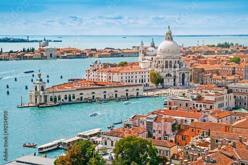 Powietrzne panoramiczny pejzaż Wenecji z kościołem Santa Maria Della Salute, Wenecja, Włochy