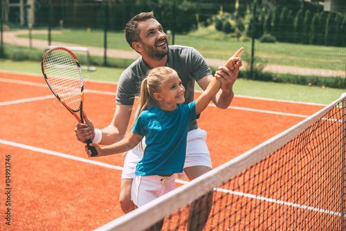 Tenis-to przyjemność, kiedy ojciec obok.