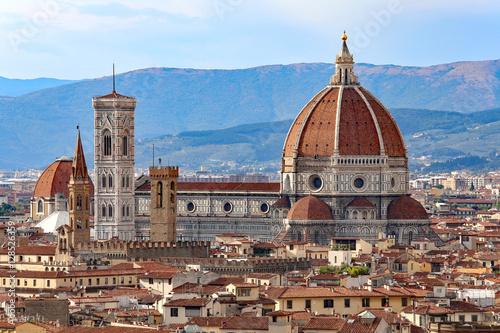 miasto Florencja z dużą kopułą katedry