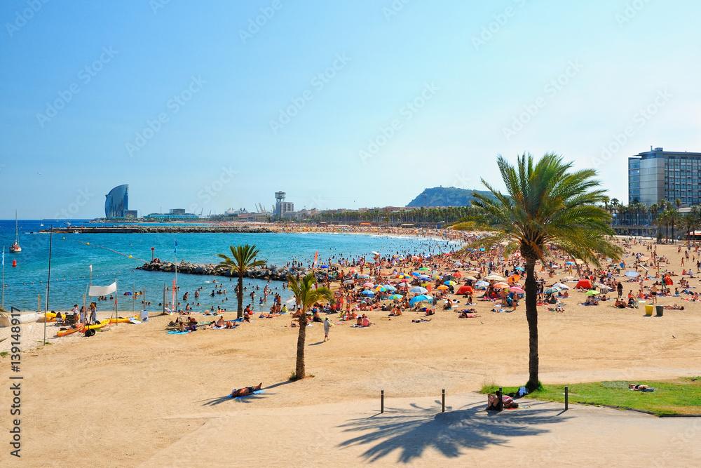 Widok na plażę w Barcelonie