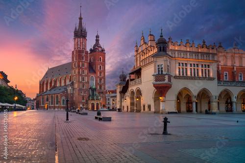 Kraków. Obrazy starego miasta w Krakowie, Polska w czasie wschodu słońca.