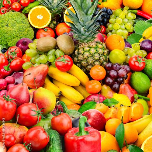 Duży zbiór owoców i warzyw. Zdrowe produkty.