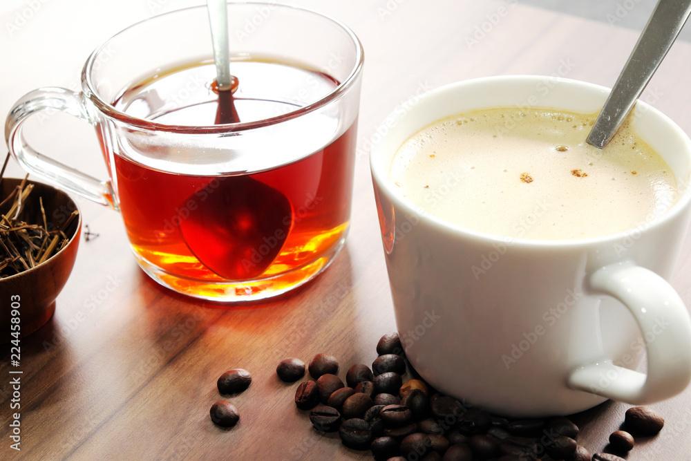 Gorąca kawa i herbata