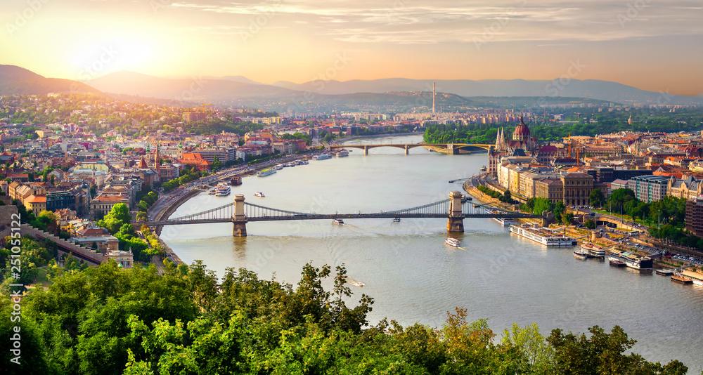 Panorama lata Budapeszt