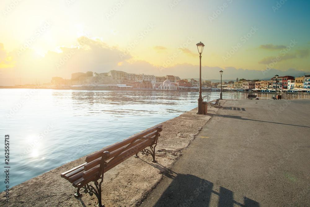 Widok na stary port Chania, Kreta, Grecja