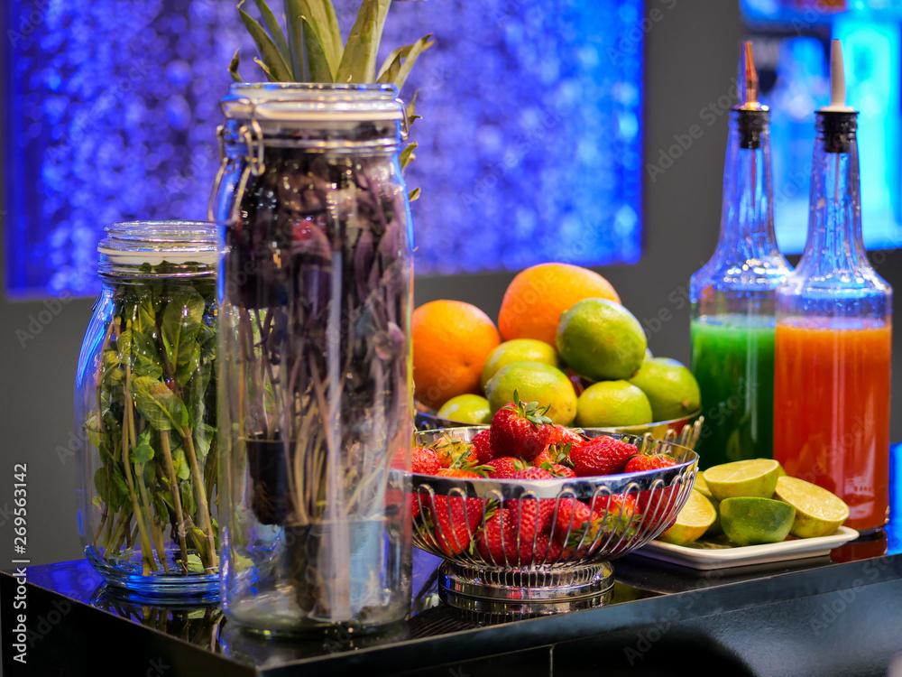 jagody i owoce na koktajl