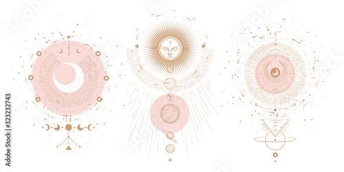 Wiele mistycznych i tajemniczych ilustracji w stylu rysowane ręcznie. Minimalistyczny przedmioty wykonane w stylu. styl boho, znaki i symbole. przestrzeni kosmicznej, Księżyc układu Słonecznego. wektor.