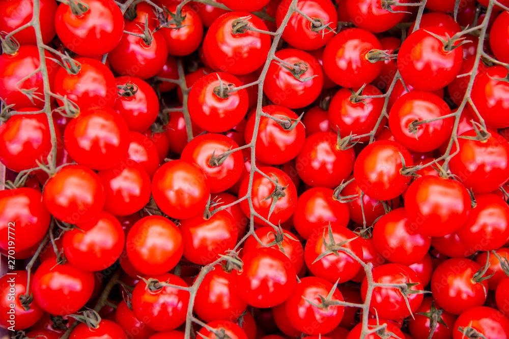 Pomidory na rynku wyświetlacz stoisko